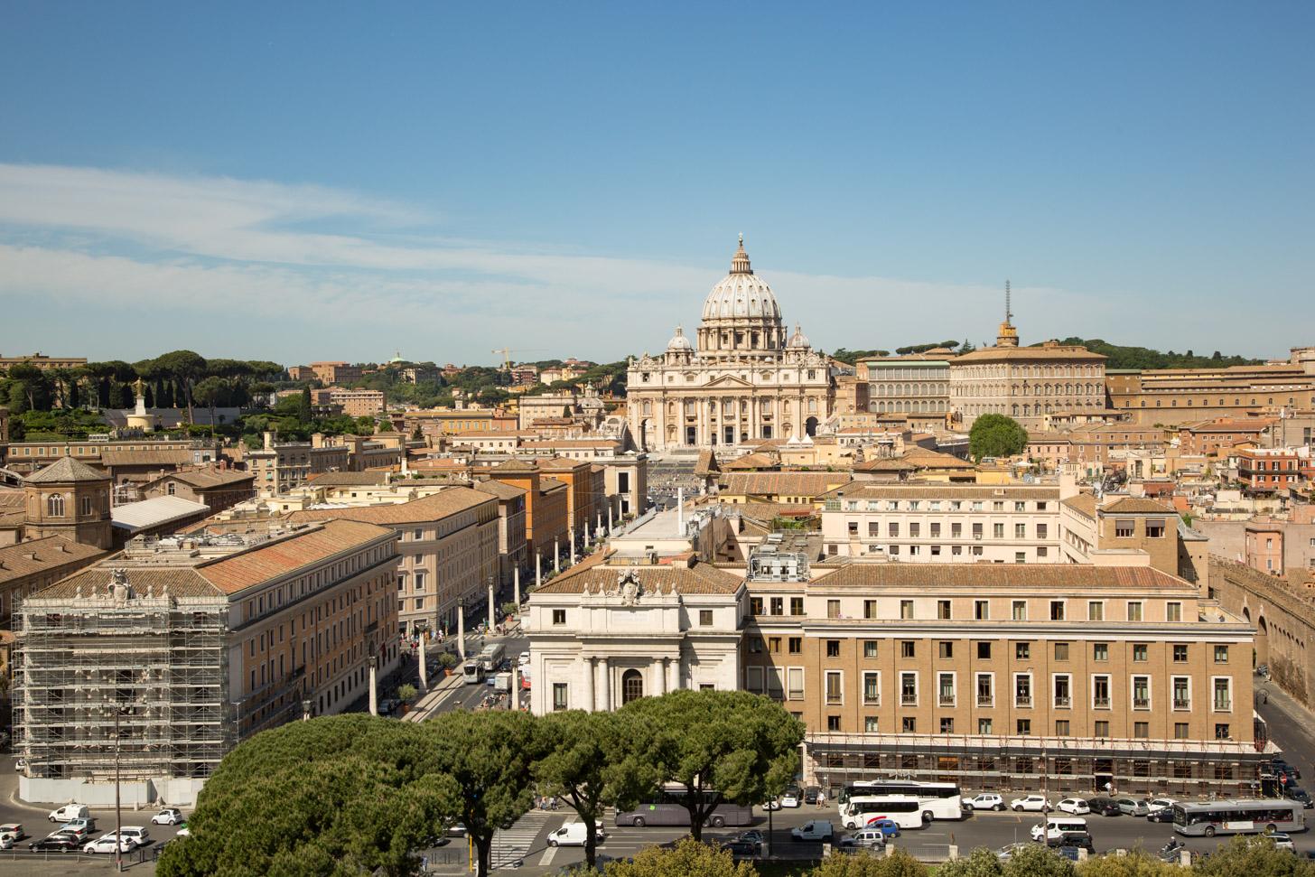 Uitzicht op Vaticaanstad en een stuk van Rome.